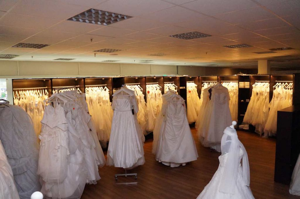 Innenansicht vom Braut Geschäft Amazing Dress