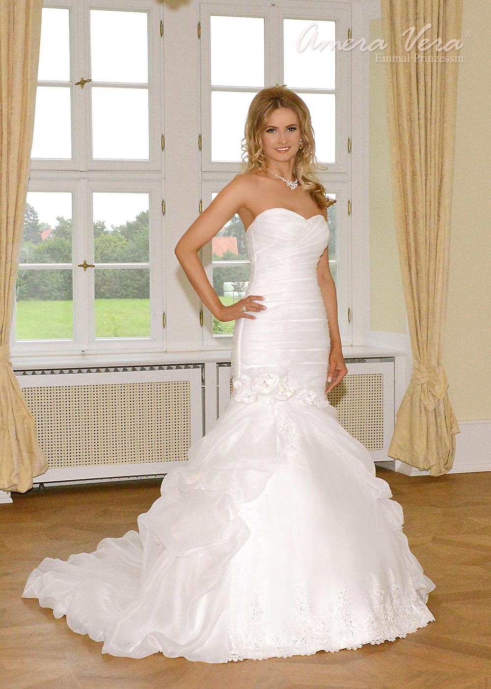 Rund um Brautkleider allerlei Informationen über Schnitte, Stile, Farben
