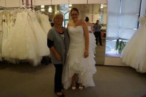 Braut Andrea mit Monika Brutkleid mit Strass