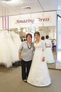 Braut Claudia enges Brautkleid