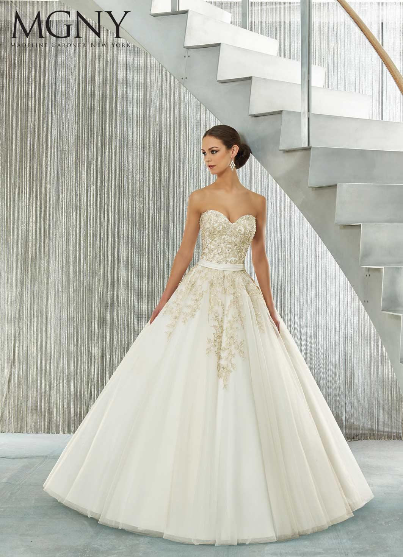Brautkleid lang eng