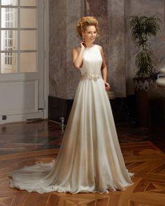 Brautkleid im Empaier Styl Creme