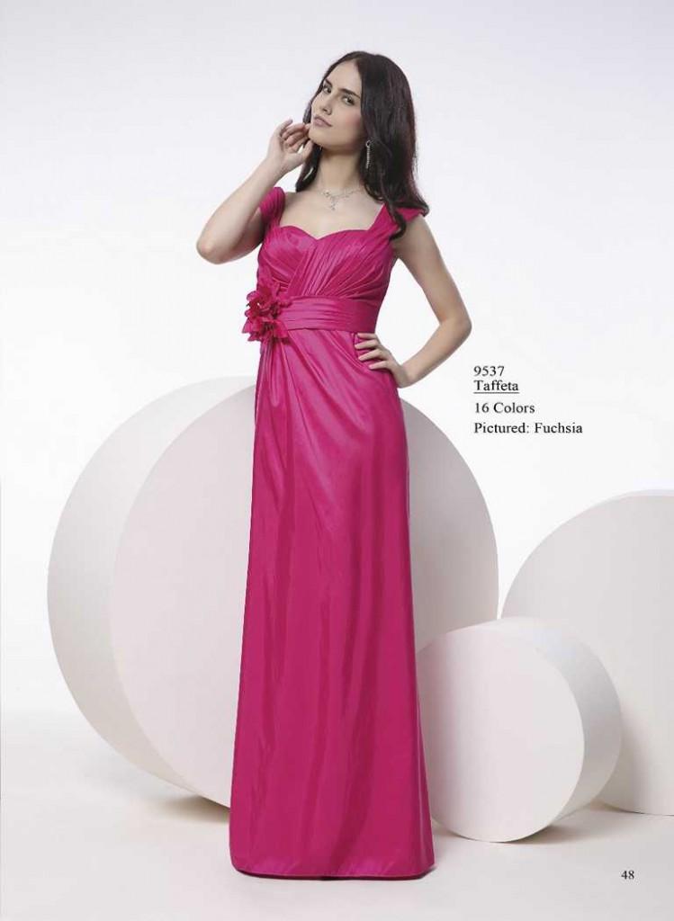 Abendkleid mit gürtel in rosa