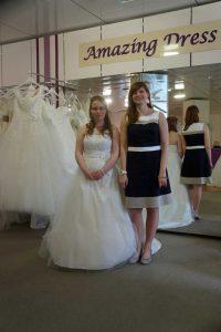 braut_sabine von amazing-dress mit freundin