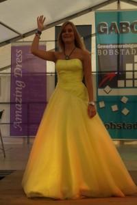 gelbes kleid modeshow gabo bobstadt amazing-dress