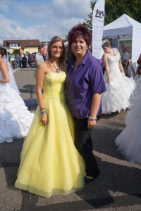mit sonnenbotschafterin modeshow gabo bobstadt amazing-dress