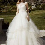 Brautkleid mit sehr viel tüll