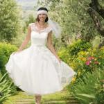 Brautkleid kurz mit Stickereien
