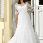 Brautkleid mit ärmel und Stickereien