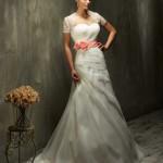 Brautkleid mit ros gürtel