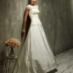 Brautkleid mit sehr breiten trägern