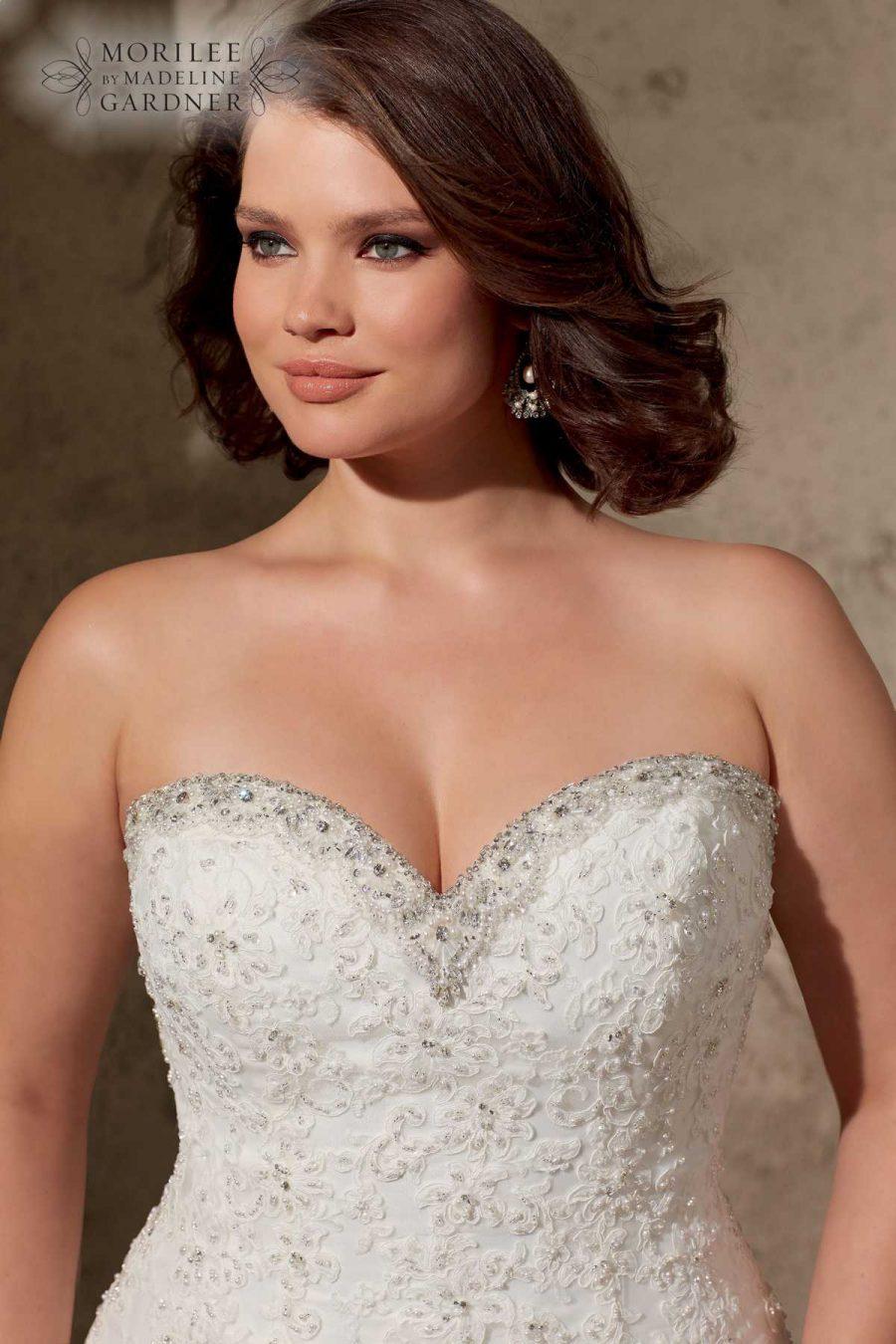 Viele Bilder von Brautkleider in große Größen, ab Kleidergröße 44