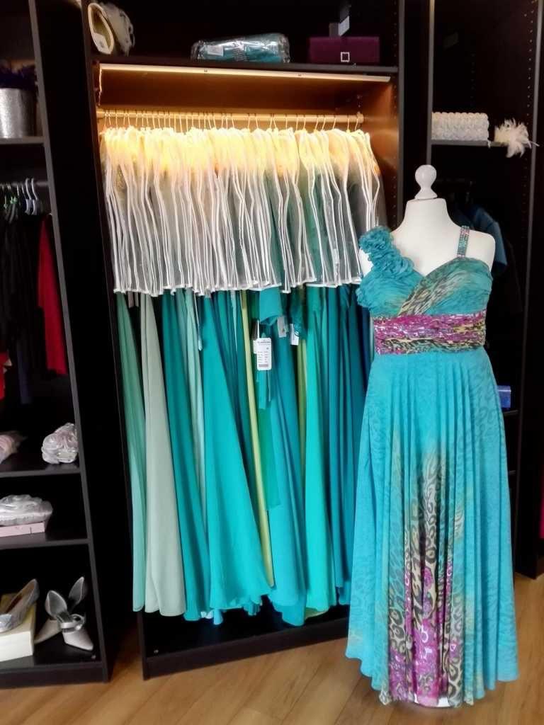Abendkleid aus Chiffon Blau mit Trägern