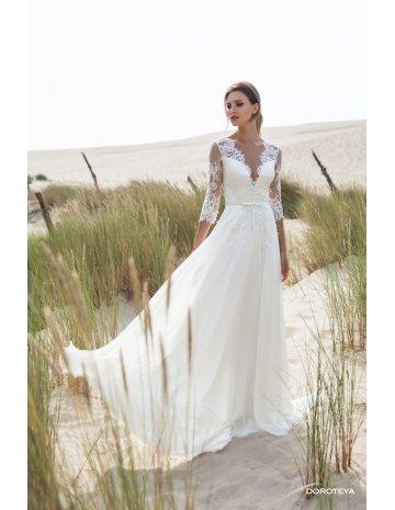 Brautkleid_von_LeRina mit Ärmel, am Strand