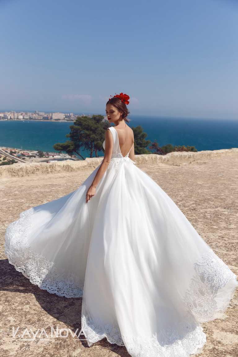 Brautkleid_von_KayaNova, mit sehr viel Tüll